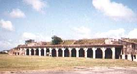 Fort Tours Fort Travis